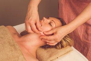 Моделирующий 3D массаж лица: особенности и технология проведения