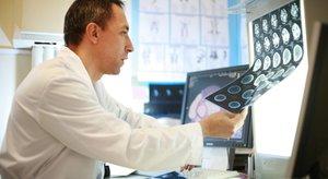 В Поликлиннике №1 прием ведет врач онколог
