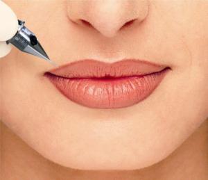 Как делают татуаж губ