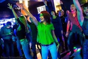 Восемь причин отметить 8 Марта в ресторане-караоке в Кемерово «4 стихии»