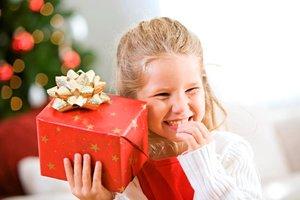 Что подарить девочке на день рождения? Список подарков- топ 5. Девочки- это маленькие принцессы, которые всегда мечтают о сказке.