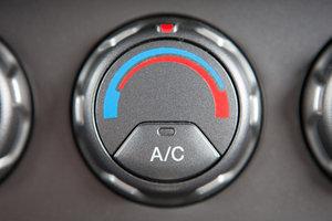 Заправка кондиционеров автомобильных. Здоровый микроклимат в вашей машине!