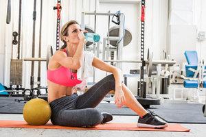 Как правильно пить воду во время тренировки?