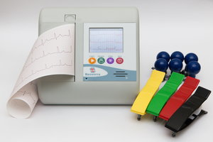 Почему необходимо проходить процедуру ЭКГ?