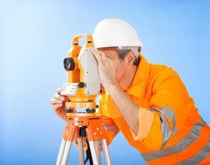 Как выбрать кадастрового инженера: фирма или частник? Разбираем плюсы и минусы