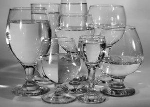 Стеклянная посуда в ассортименте: выгодное приобретение для баров и ресторанов!