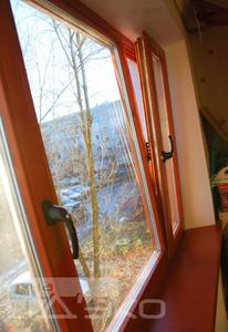 Деревянные окна со стеклопакетами собственного производства