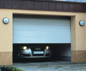 Секционные гаражные ворота на заказ в Череповце