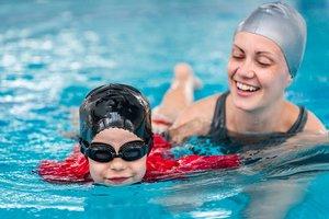 Занятия в бассейне с опытными инструкторами в Вологде