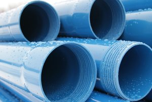 Пластик или металл: как выбрать обсадную трубу для скважин на воду?