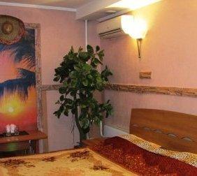Комфортабельные номера в мини-отеле в центре Новокузнецка от 400 рублей в час!