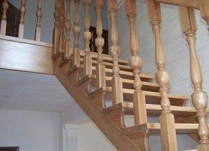 Купить перила для лестницы из дерева