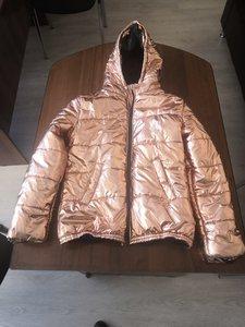 """Эксперт-товаровед Центра """"КРДэксперт"""" выполнила экспертизу куртки для возврата в магазин"""
