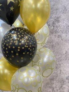 Воздушные шары в черно золотой гамме