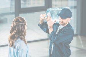Мы продолжаем осуществлять доставку воды с понедельника по субботу