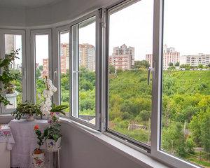 Заказать остекление балконов в Вологде