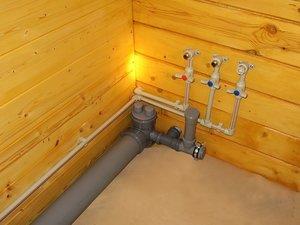 Монтаж канализационных труб в частном доме