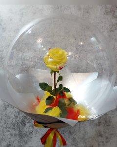 Цветы в воздушном шарике