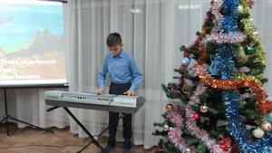 Новогодний праздник на фортепианном отделении «Новогодняя история».