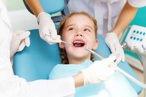 В нашей клинике ведет прием квалифицированный детский зубной врач! Приходите!