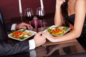 Как организовать романтический ужин в ресторане на годовщину свадьбы
