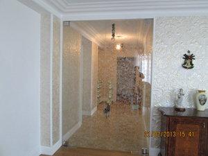Стеклянные двери в любой интерьер