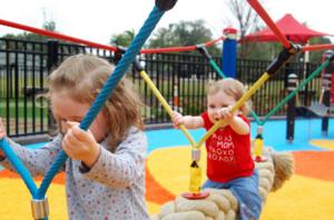 """Детская площадка от компании """"Элина"""". Яркие и прочные конструкции, всевозможные формы!"""