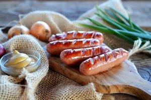 Широкий ассортимент сосисок из свежего мяса Вологда