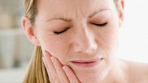 Вас беспокоит боль зубов и десен? Обращайтесь к нам!