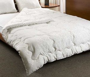 Где купить одеяло? Загляните к нам!