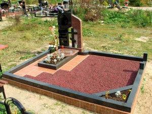 Работы по благоустройству могил в Орске