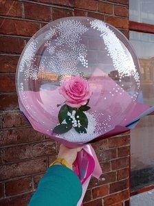 Цветок в прозрачном шарике