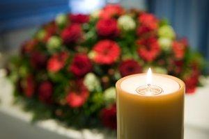 Правила и законы по организации похорон в России