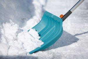 Доверьте чистку снега с крыш профессионалам. Звоните!