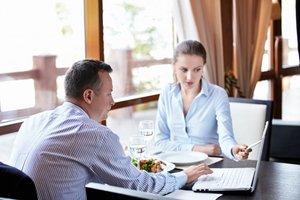 Деловой обед или ужин в ресторане - эффективный способ достичь успеха