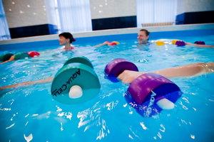 В нашем бассейне проходят занятия по аквааэробике!