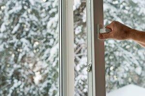 Устанавливаем пластиковые окна даже зимой!