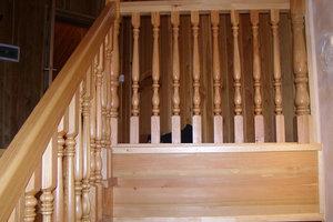 Деревянные перила для лестницы в Вологде