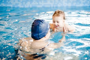 Плавания для грудничков. Запишитесь на занятия онлайн!