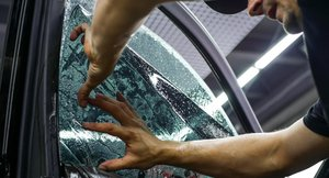 Тонировка стекол авто в Вологде