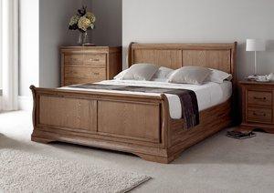 Где купить кровать из массива?