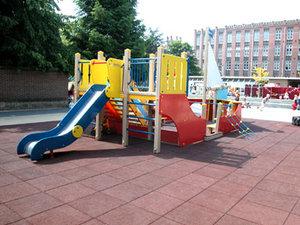 Резиновое покрытие детской площадки - комфорт и безопасность для детей