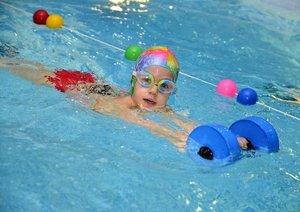 Детские занятия в бассейне в Вологде