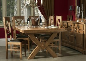Стол из массива дерева – уникальность вашего дома. Заказывайте!