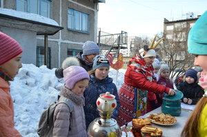 Славянский праздник «Масленица идёт, блины и мёд несёт!».