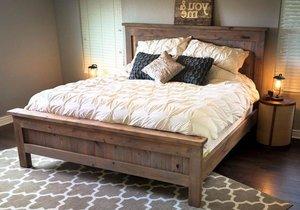 Двуспальная кровать из массива в Вологде
