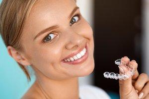 Элайнеры - выравнивание зубов без брекетов!