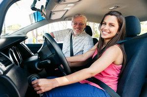 Опытные инструкторы по вождению в автошколе Мотор