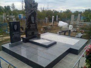 Гарантия долговечности надгробия – профессиональная установка памятников
