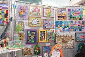 Помощь с организацией выставки детских рисунков в Вологде